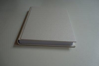 Witte a5 boek wit